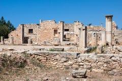 KOURION, CYPRUS/GREECE - LIPIEC 24: Świątynia Apollo Hylates blisko Zdjęcia Stock