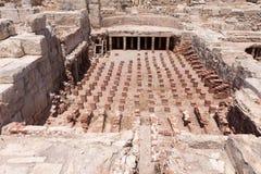 KOURION, CYPRUS/GREECE - LIPIEC 24: Resztki przy antycznym miastem o Zdjęcia Stock