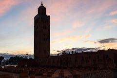 Koutoubia清真寺在马拉喀什在黎明 免版税库存图片