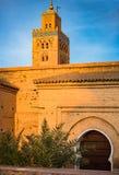Koutoubia moské i Marrakesh i varmt solljus Arkivbild