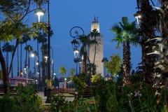 Koutoubia-moské under blå timme Royaltyfri Fotografi