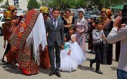 Kov-Ata Turkmenistan - April 30, 2017: Turkmenskt nationellt bröllop Royaltyfria Foton