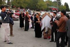 Kov-Ata Turkmenistan - Oktober 18 2015 Bruden och brudgummen I Arkivfoto