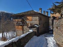 Kovachevitsa,布拉戈耶夫格勒地区村庄与地道19世纪房子的 库存照片