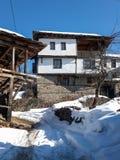 Kovachevitsa,布拉戈耶夫格勒地区村庄与地道19世纪房子的 图库摄影