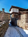 Kovachevitsa,布拉戈耶夫格勒地区村庄与地道19世纪房子的 免版税图库摄影