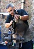 kowal wykańczania kwiat żelaza Zdjęcie Royalty Free