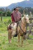 Kowboj w Ekwador na horseback w Andes Obraz Stock