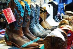 Kowbojscy buty na sprzedaży zdjęcie stock