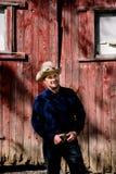 Kowbojska Śmia się i trzyma Pasowa klamra Obraz Stock