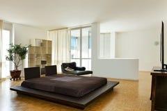 łóżkowy dwoisty wielki pokój Fotografia Royalty Free