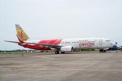 KOZHIKODE,印度31 - 2015年7月 印度航空空中客车航空器在Kozhikode机场,它发动它的飞行的引擎向迪拜 库存照片