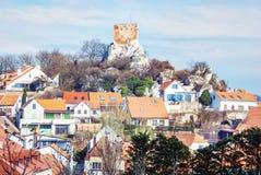 Kozi hradek, Mikulov, Τσεχία, κίτρινο φίλτρο Στοκ Φωτογραφίες
