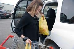 köpande flicka Royaltyfri Fotografi