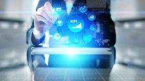 KPI - Indicatore di efficacia chiave Affare ed analisi industriale Concetto di tecnologia e di Internet sullo schermo virtuale immagine stock