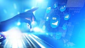 KPI - Zeer belangrijke prestatie-indicator Zaken en industriële analyse Internet en technologieconcept op het virtuele scherm royalty-vrije stock foto's