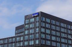 KPMG-Bürogebäude stockfotografie