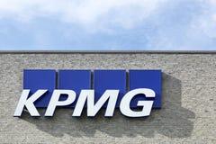 KPMG logo na fasadzie Zdjęcia Stock