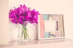kpugloe отверстия рамки предпосылки красивейшее черное сделало по образцу фото Стоковое Фото