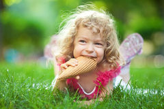 kräm- ätais för barn Royaltyfria Foton