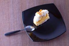 kräm- is för cakeCherry Fotografering för Bildbyråer