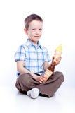kräm- is för pojke arkivfoto