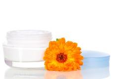 kräm- framsida som moisturizing Arkivfoto