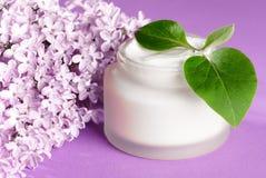 kräm- framsida som moisturizing Royaltyfria Foton