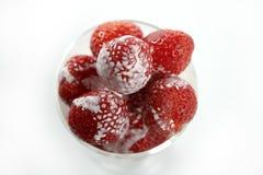 kräm- glass jordgubbar Arkivbild