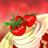 kräm- jordgubbe Fotografering för Bildbyråer
