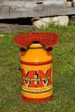 Kräm kan med den Minneapolis Moline logoen Arkivbild