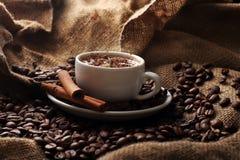 kräm- kopp för kaffe Arkivbild