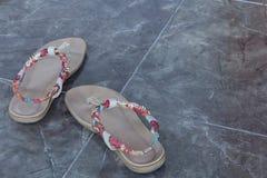 Kräm- sandal för kvinnorna Arkivbilder