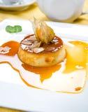 kräm- souffle för caramel royaltyfria bilder