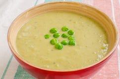 Kräm- soup för gröna ärtor Arkivbilder