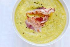 Kräm- soup med bacon Royaltyfri Fotografi