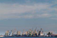 Kräne im Riga-Kanal Lizenzfreies Stockfoto