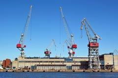 Kräne und Hafen Stockfotografie