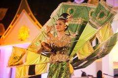Królewiątka Ka losu angeles tancerz jest Północnym tradycyjnym Tajlandzkim tanem Zdjęcia Stock