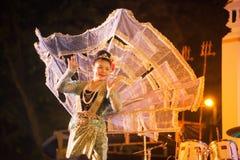Królewiątka Ka losu angeles tancerz jest Północnym tradycyjnym Tajlandzkim tanem Obraz Stock