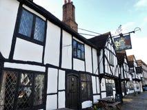 Królewiątka Zbroją hotel w Starym Amersham który uwypuklał w wiele TV programuje i filmy wliczając Midsomer morderstw Weddi i Czt fotografia stock