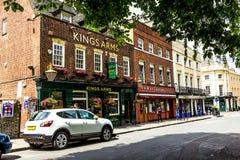 Królewiątka Zbroją pub i Wietnam, Orientalna Chińska restauracja w Greenwich, Londyn obraz stock
