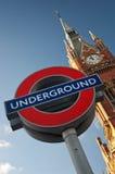 Królewiątko krzyża/St Pancras stacja znak Fotografia Stock