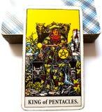 Królewiątko Pentacles Tarot karty bogactwa Midas dotyka biznesu mistrza Luksusowe Biznesowe Empirowe Pomyślne kwalifikacje M zdjęcie stock