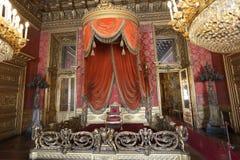 Królewiątko tron przy Palazzo Real zdjęcia stock