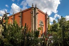 Królewska kaplica Capilla De Los angeles Emperatriz przy ogródami Krajowy pałac - Meksyk, Meksyk Obraz Stock