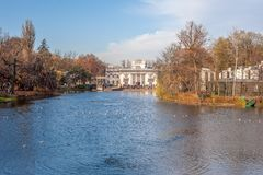 Królewski Å  azienki, widok pałac na wodzie Obraz Stock