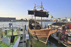 Królewski Podbojowy pirata statek Obraz Royalty Free