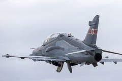 Królewskiego australijczyka siły powietrzne RAAF BAE jastrzębia 127 prowadzenie w myśliwskim trenera samolocie A27-31 zdjęcie stock