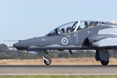 Królewskiego australijczyka siły powietrzne RAAF BAE jastrzębia 127 prowadzenie w myśliwskim trenera samolocie A27-33 obrazy stock